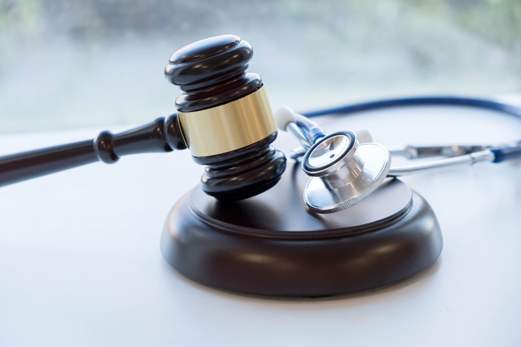 Medizinrecht-926152600