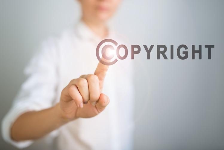 Urheberrecht-600140530